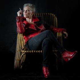 Beryl 38 Rosso Corsa lo stivaletto (tronchetto) più rock, e quindi Brutus, che ci sia! È rosso, è sexy, è eclettico, è versatile, è comodo... #stileemateria #noisiamostileemateria #customizeyourself #brutuswire #fashion #gentlemenrider #fashionride #fashionleather #theleathercompany #ontheroad #lifestyle #iconicstyle #luxurystyle #brutus #stiledivita #pelletteria #leathershop #leather #handmade #leatherjacket #jacket #scarpadonna #stivaletto #womenshoes #womenboots #rocknroll
